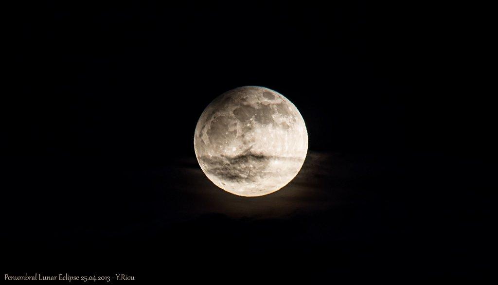 penumbral-lunar-eclipse-250413-8681089031-o.jpg