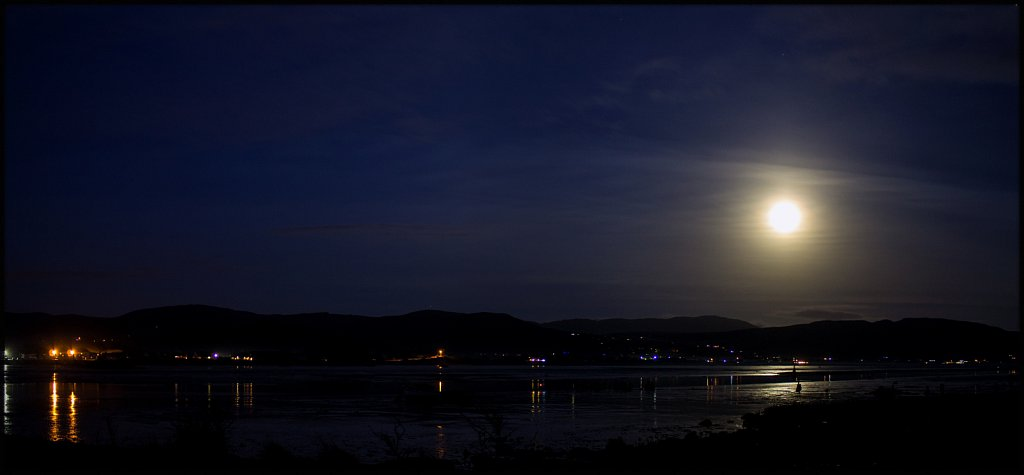 cold-moon-from-point-road-dundalk-8314535479-o.jpg